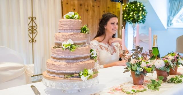 Wedding Cake with Lace Burlap Trim